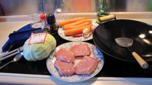 Zutaten für Schweinefleisch mit scharfem Kohl