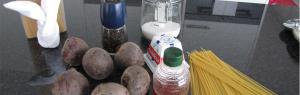 Sparghetti mit Rotebeete und Zigenkäse-Honig-Soße Blog