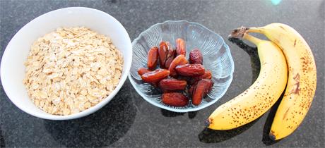 Zutaten: Haferflocken, Datteln und Bananen