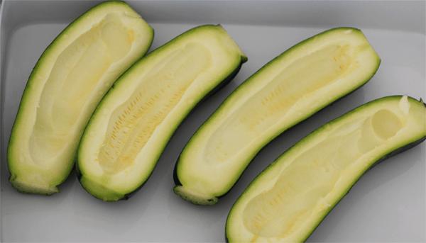 ausgehölte Zucchini