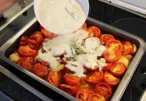ketchup_selbst_machen_10_zucker_und_kraeuter_zugeben_clean_food_und_clean_eating