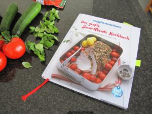 tuerkisches_gemueseblech_mit_huettenkaese_00_das_grosse_smartpoints_kochbuch_das_grosse_smartpoints_kochbuch